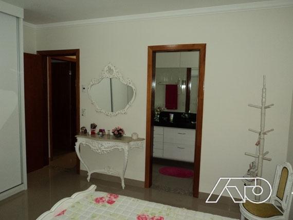Casa / Sobrado à Venda - Loteamento Ipanema