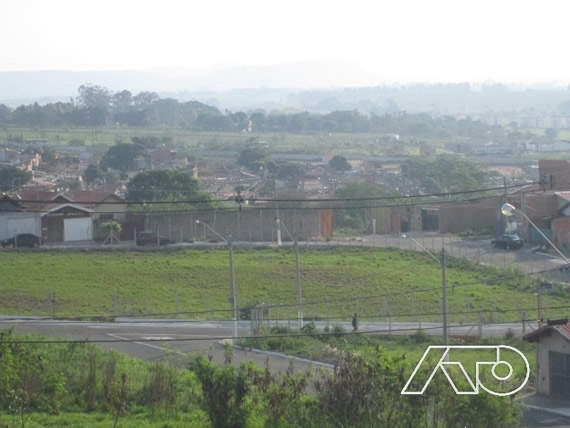 Terreno à Venda - Parque Residencial Monte Rey III