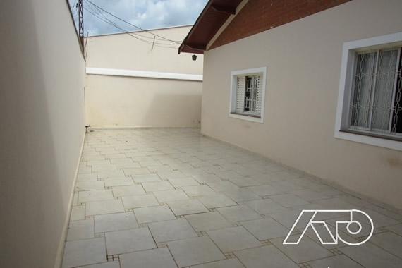 Casa / Sobrado à Venda - Castelinho