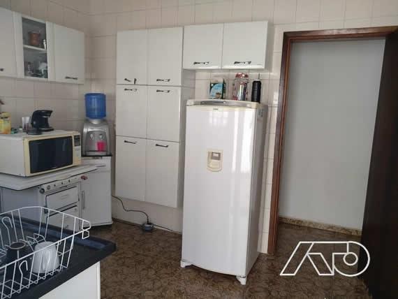Casa / Sobrado à Venda - Santa Rosa Ipês